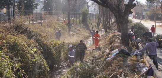 Se consolida la limpieza de canales en todo Graneros