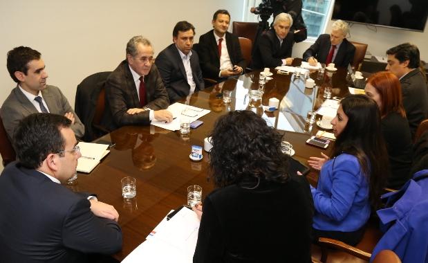 Intendenta Morin Contreras se reúne con Ministro de Economía y Subsecretaria de Turismo