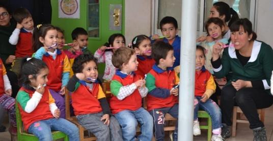 """17 mil niños de la región están siendo beneficiados con el Programa """"Sembrando Sonrisas"""""""