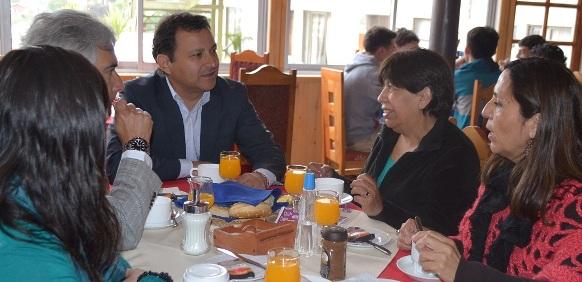 Director Nacional de SERNATUR compartió desayuno con beneficiarios del programa Gira de Estudios