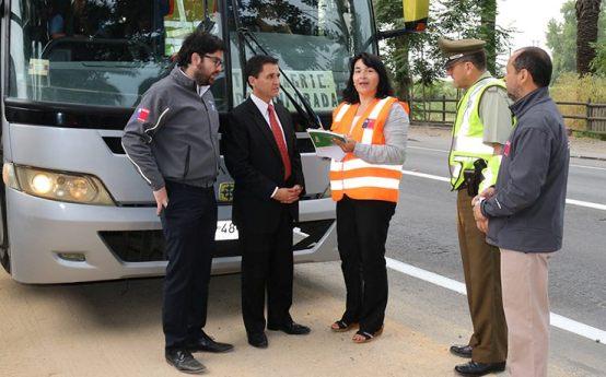 Autoridades Fiscalizan de Transporte de Trabajadores Agrícolas de Temporada