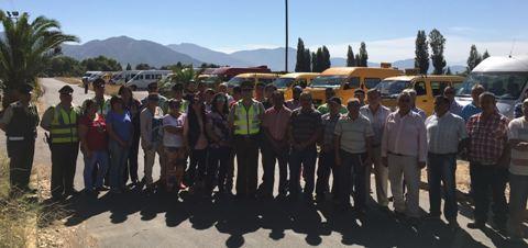 Carabineros de Santa Cruz capacita  a transportistas escolares