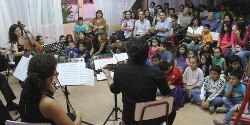 """Con Concierto, taller de musicoterapia y Charla de René Naranjo continúan actividades """"Mozart: 260 años"""""""