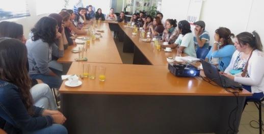 INJUV O'Higgins realiza su primer Desayuno Público 2016 con jóvenes de Universidad Santo Tomás