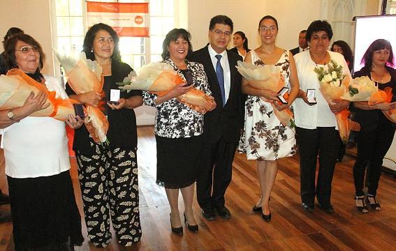 Municipalidad de Rancagua distinguió a seis destacadas mujeres en su día