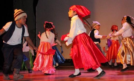 Consejo de la Cultura presenta el Programa Acciona  que integra el arte en la educación en 12 comunas