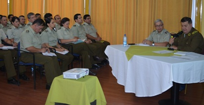 General de Carabineros dicta charla en la Prefectura Colchagua