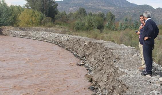 Autoridades inspeccionan trabajos en la comuna de Placilla tras emergencia