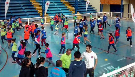 Niños de Las Cabras protagonizaron clínica de atletismo de los Juegos Predeportivos Escolares