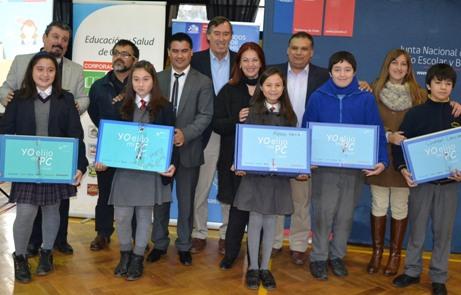 Todos los alumnos de séptimo básico de San Fernando  recibieron computadores con conectividad