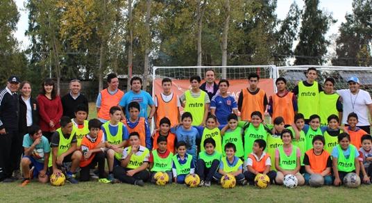 Con exitosa asistencia debuta la escuela Municipal de Fútbol Viña Los Laureles