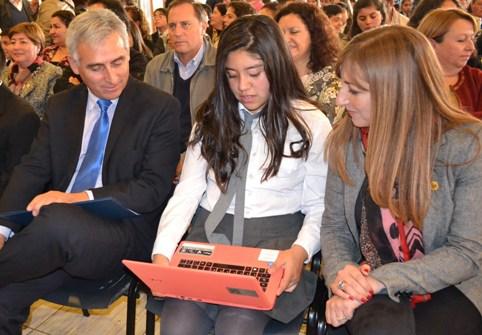 Más de 6 mil 600 notebooks llegarán este año a los hogares  de todos los alumnos de la educación pública