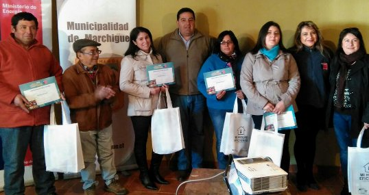 "Familias de Marchigue recibieron ""Kits Eficientes"""