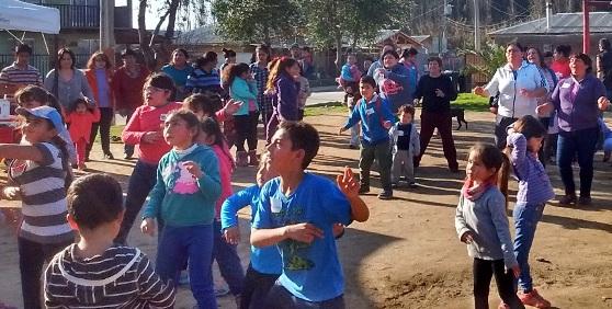 Ochenta niños y niñas de Pichidegua despiden las  vacaciones con tenis, fútbol y zumba