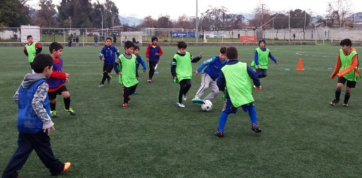 Escolares rancagüinos disfrutaron del fútbol en vacaciones de invierno