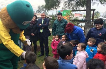 """CONAF y JUNJI realizan emotiva actividad """"Plantando El Futuro"""" en jardines infantiles de O´Higgins"""