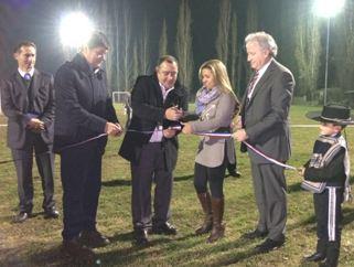 Municipalidad y CGE Distribución inauguran luminarias en campos deportivos de Graneros