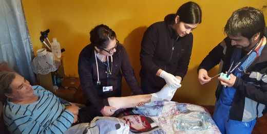 Hospitalización domiciliaria un compromiso del Hospital Santa Cruz con la comunidad