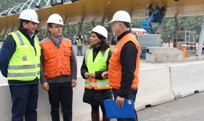 Autoridades de Obras Públicas visitaron construcción de nueva plaza de peaje y terceras pistas en Angostura