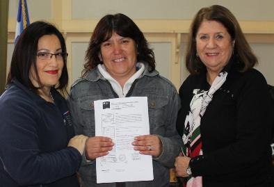 Entregan pensión de gracia a madre de la localidad de Zúñiga