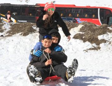 Vecinos de Mostazal se toman el Portillo durante las vacaciones de invierno