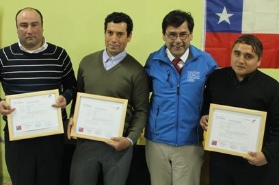 50 trabajadores de Agrícola Santa Lucía finalizan cursos de conducción
