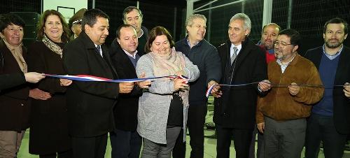 Gobierno entrega moderna multicancha a vecinos de Quinta de Tilcoco