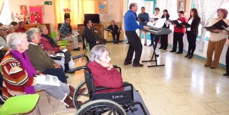 En el marco de aniversario N°48: Corte de Rancagua y coro judicial visitan hogar de ancianos