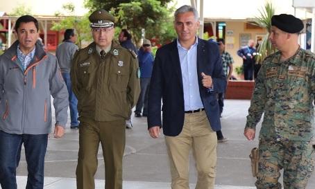 Intendente Regional visita locales de votación para corroborar normal funcionamiento
