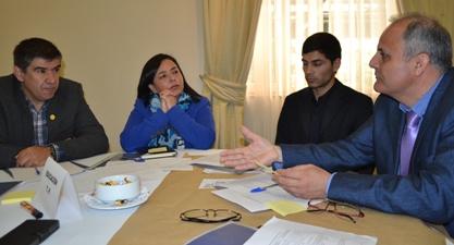 Profesores se reúnen para identificar necesidades al interior de las aulas