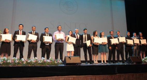 Cerca de 600 estudiantes de Santo Tomás Rancagua recibieron sus títulos técnicos y profesionales