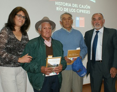 CONAF lanza libro Historia del Cajón Río de los Cipreses