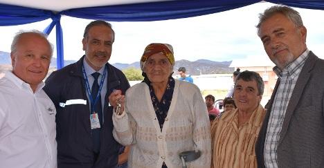 Familias de Pumanque recibieron las llaves de sus nuevas viviendas