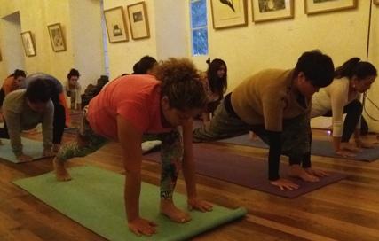 Rancagüinos celebraron el Día Internacional del Yoga
