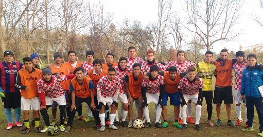 Encuentro motivacional reunió a Escuela Municipal de Fútbol Cachapoal y Club Rancagua Sur