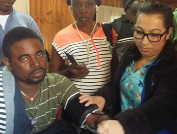 Hospital de Graneros realiza operativo  médico a inmigrantes  Haitianos