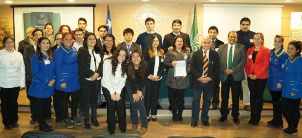 Estudiantes de Santo Tomás Rancagua se enfrentaron en el 7° Torneo de Debates de la sede