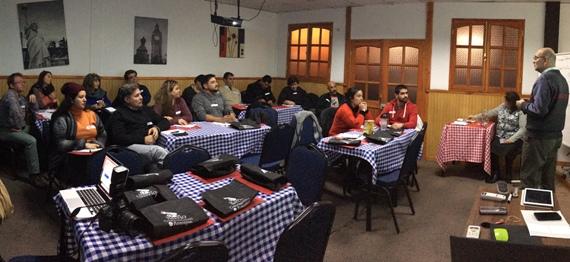 Empresarios del Barrio Gastronómico de Rancagua asisten a taller