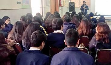 INJUV realiza charla de oferta programática en Quinta de Tilcoco