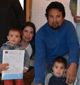 90 familias de Cachapoal recibieron sus subsidios habitacionales para sectores medios