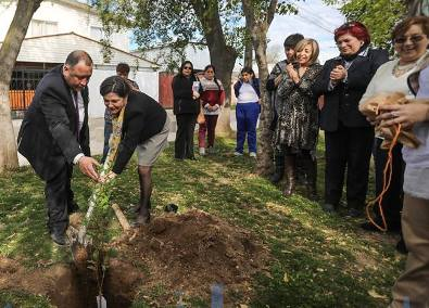 Alcalde Segovia y Ministra de vivienda recorren  obras del nuevo barrio Las Américas