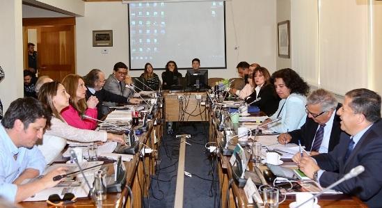 Consejo Regional aprueba el financiamiento de seis carros aljibes para Colchagua y Cardenal Caro