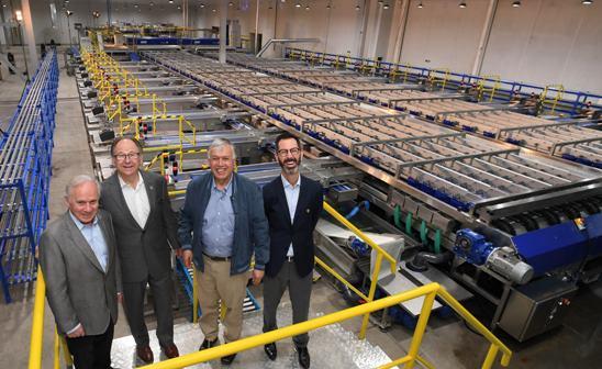 Ministro de Agricultura inauguró línea de procesamiento de cerezas más moderna del País