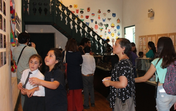 Niños aprenden sobre etnias originarias a través de distintas técnicas artísticas
