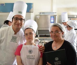 Jóvenes con discapacidad intelectual se capacitan en cocina y agro
