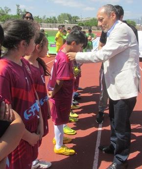 Alianza público-privada potencia desarrollo del deporte escolar