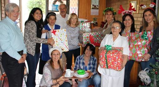 CChC llevó la Navidad a adultos mayores de Hogar San José de Rancagua