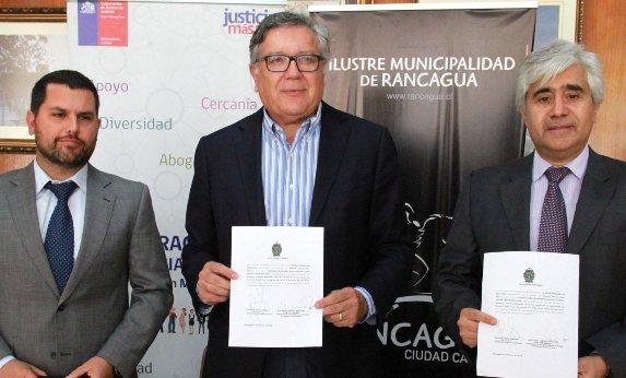 Convenio permitirá brindar asesoría jurídica a vecinos de escasos recursos de Rancagua