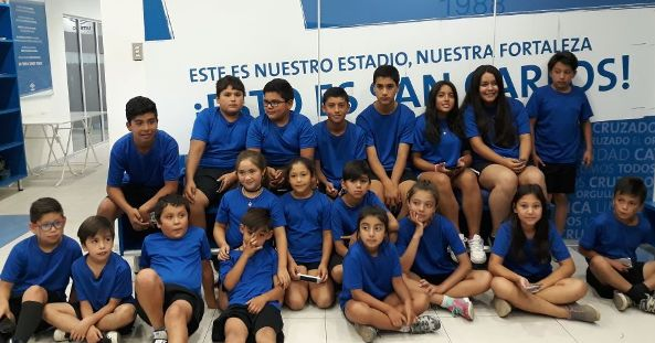 Escuela Municipal de Fútbol de Chancón visitó al Club Universidad Católica