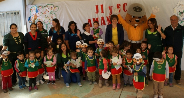 Niños de Integra recibieron visita de Forestín